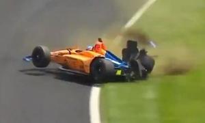 Fernando Alonso gặp nạn trong lúc tập luyện