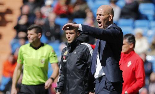 Zidane chưa thể mang tới sự quật khởi cho Real.
