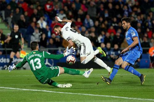 Benzema chưa thể có bàn thứ 22 từ đầu mùa La Liga.