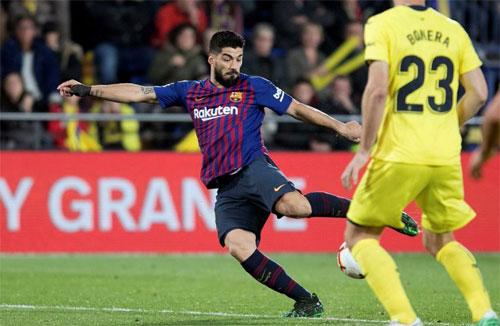 Suarez vô lê đem lại kết quả hòa.