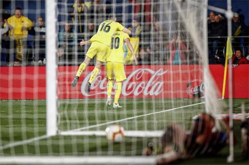 Villarreal buộc Barca phải trả giá cho sai lầm.
