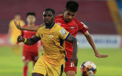 Thanh Hoá đánh rơi chiến thắng sau khi sỡm dẫn 2 bàn trên sân Lạch Tray chiều 18/5.