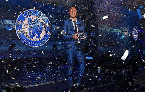Hazard vừa được vinh danh là Cầu thủ xuất sắc nhất của Chelsea. Ảnh:AFP.