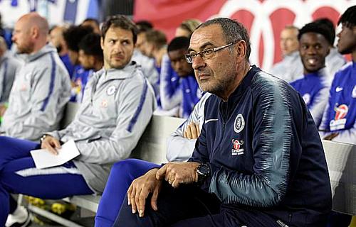 Sarri không nhận được sự ủng hộ hoàn toàn từ Chelsea. Ảnh:AP.