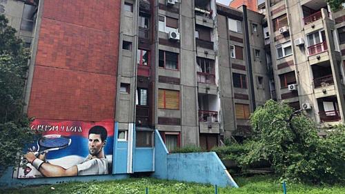 Khu nhà Djokovic từng ở cùng ông nội trong những năm tháng tuổi thơ.