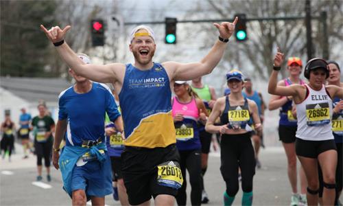 Thư giãn và vui vẻ sẽ giúp runner xua bớt đi cảm giác mệt mỏi ở những kilomet cuối cùng.