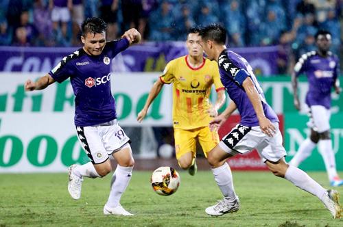 Mùa giải 2018 Nam Định thua Hà Nội 0-2 trên sân nhà và hòa 3-3 trên sân khách.