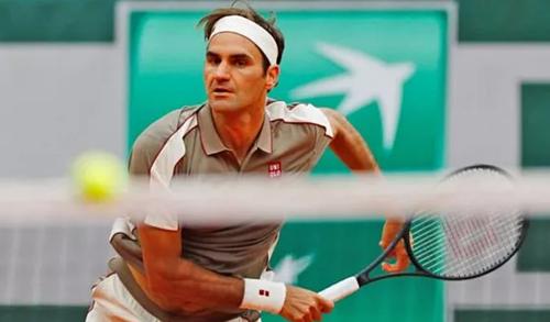 Federer dễ dàng giành chiến thắng trước Sonego. Ảnh: Reuters.