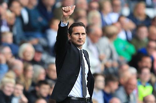Lampard đang đạt được thành công trong năm đầu tiên làm HLV chuyên nghiệp. Ảnh:EPA.