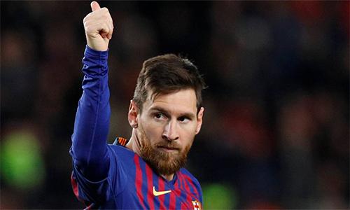 Kempes cho rằng Messi ngày càng cá nhân trong cách chơi bóng. Ảnh: AFP.