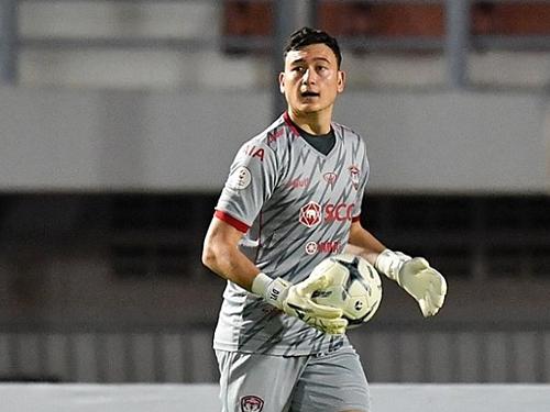 Văn Lâm có trận đấu thành công trước khi tập trung cùng tuyển Việt Nam.