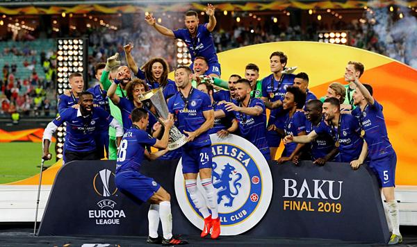 Với bốn danh hiệu lớn ở châu Âu kể từ khi bóng đá Anh hội nhập trở lại mùa 1991-1992, Chelsea sánh ngang Man Utd. Ảnh: Reuters.