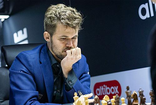 Carlsen chỉ còn đứng số một thế giới ở cờ tiêu chuẩn và cờ nhanh. Ảnh: ANC.