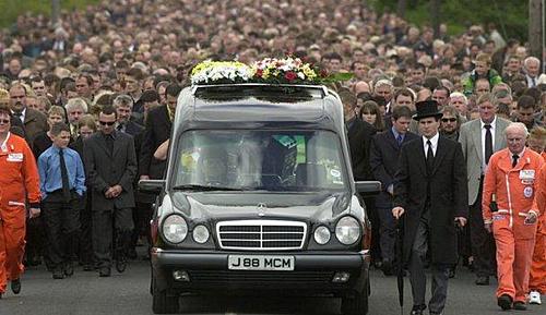 Lễ tang của Joey Dunlop năm 2000 ước tính có 50.000 khách viếng.