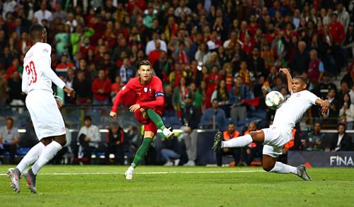 Ronaldo hoàn tất cú hat-trick thứ 53 trong sự nghiệp. Ảnh:AFP.