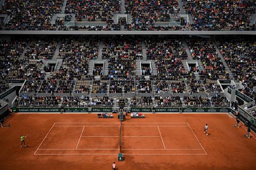 Bất ngờ đã không thể xảy ra như Federer mong muốn.