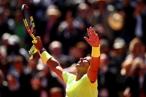 Nadal duy trì thành tích toàn thắng trước Federer ở Roland Garros.