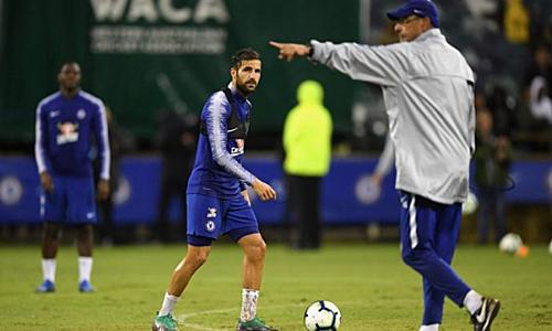 Fabregas từng làm việc với Sarri trong nửa mùa giải. Ảnh: Reuters.