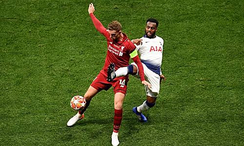 Rose thừa nhận không vui khi gặp lại Henderson và các cầu thủ khác của Liverpool tại tuyển Anh. Ảnh: AFP.
