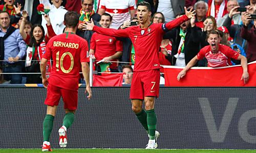 Ronaldo đã ghi bàn ở 10 giải đấu lớn liên tiếp khi khoác áo Bồ Đào Nha. Ảnh: AFP.
