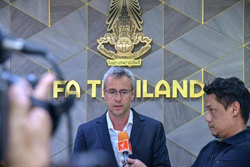 Romagosa muốn Thái Lan đồng bộ hóa lối chơitừ lứa trẻ tới tuyển quốc gia.