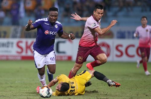 Oseni có một bàn thắng và một pha kiến tạo nhưng vẫn chưa khiến ban huấn luyện hài lòng.
