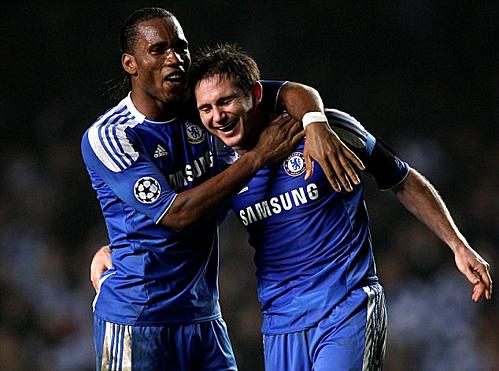 Drogba và Lampard cùng nhau tạo nên thập niên huy hoàng của Chelsea. Ảnh:AFP.