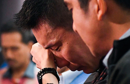 Lee Chong Wei khóc khi thông báo giã từ sự nghiệp. Ảnh: NST.
