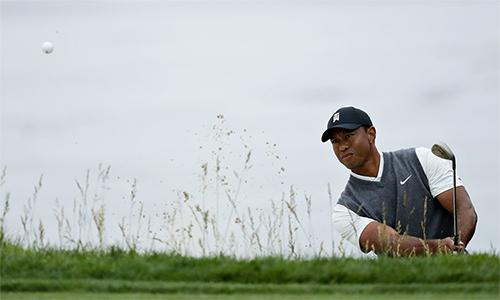 Woods kết thúc vòng hai theo cách không như ý. Ảnh: AP.