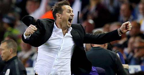 CĐV Chelsea đang hào hứng trước viễn cảnh người hùng một thời trở lại Stamford Bridge. Ảnh:AFP.