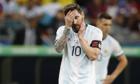 Messi diễn thuyết trong phòng thay đồ sau trận thua Colombia