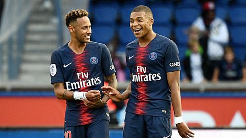 Neymar và Mbappe trong màu áo PSG. Ảnh:AFP.