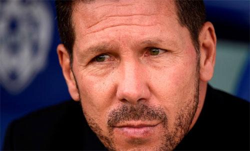 Simeone khuyên Argentina chơi kết dính với nhau nhiều hơn. Ảnh: Reuters