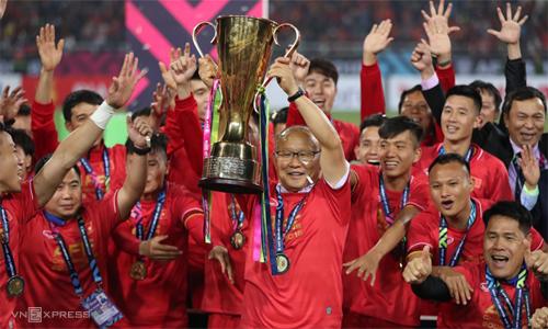 Chức vô địch AFF Cup 2018 chỉ là một trong nhiều mốc son mà HLV Park Hang-seo đạt được cùng bóng đá Việt Nam trong gần hai năm qua. Ảnh: Đức Đồng.