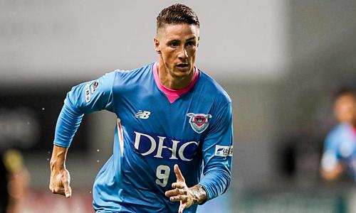Torres thường phải dự bị ở Sagan Tosu mùa này. Ảnh: Bein.