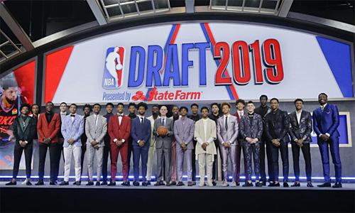 Chỉ một trong 17 cầu thủ được chọn đầu tại NBA Draft 2019 cao hơn 2m05. Ảnh: AP.