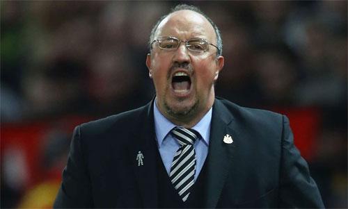 Benitez rất được lòng CĐV Newcastle. Ảnh: Reuters