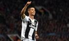 Báo Italy gọi Sarri là 'trợ lý của Ronaldo'