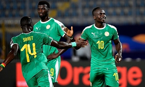 Mane (số 10) ghi hai bàn trong chiến thắng 3-0 trước Kenya. Ảnh: Reuters.