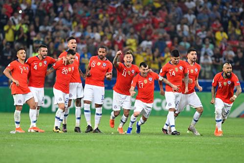 Chile vẫn sử dụng bộ khung quen thuộc giúp họ vô địch hai kỳ Copa gần nhất. Ảnh:AFP.