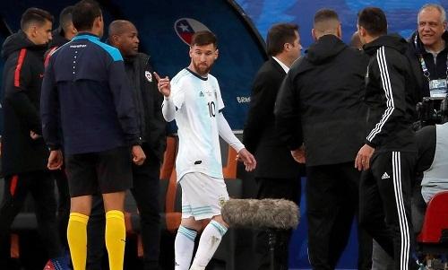 Messi không hài lòng với cách điều hành giải đấu củaCONMEBOL. Ảnh: Ole.