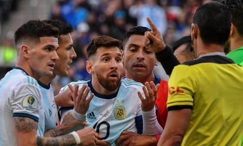 Messi có thể bị phạt nặng vì những phát ngôn của anh. Ảnh: AFP.