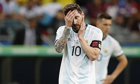 Messi kêu gọi các cầu thủ Argentina thi đấu với trách nhiệm. Ảnh: AFP.