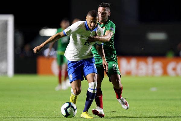 Bolivia không gây ra quá nhiều khó khăn cho Brazil. Ảnh: AFP.