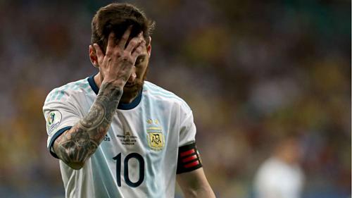 Messi thể hiện sự thất vọng trong trận đấu với Colombia. Ảnh:Copa America.