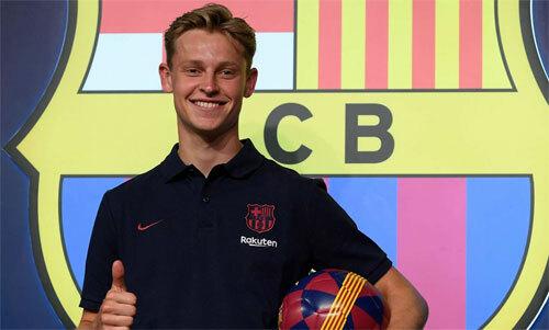 De Jong là ông chủ tuyến giữa của Ajax mùa trước. Ảnh: Reuters