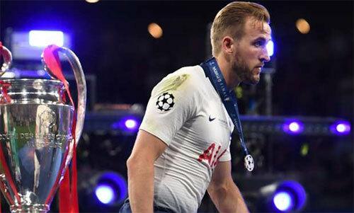 Kane chưa quên cảm giác thất bại đầu tháng 6. Ảnh: Reuters