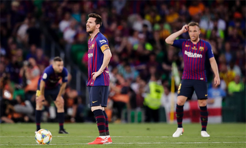 Barca đang đau đầu vì tiền. Ảnh: Reuters