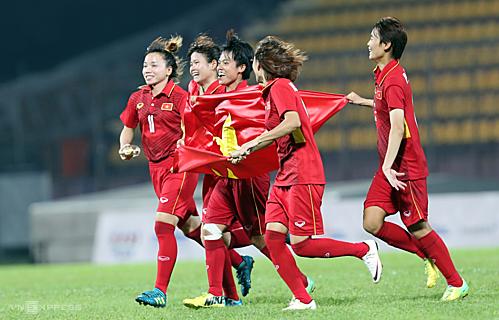 Đây là lần đầu tiên sau bốn năm đội tuyển nữ Việt Nam trở lại vị trí số một Đông Nam Á. Ảnh: Đông Huyền.