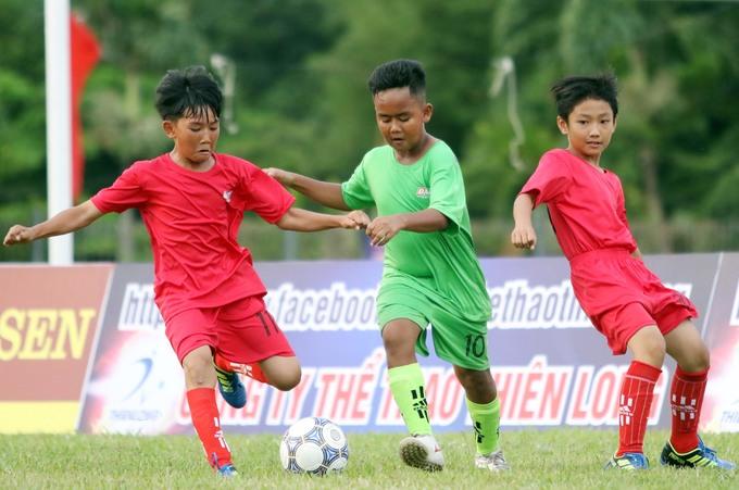 Messi 'Châu ro' trổ tài ở giải bóng đá trẻ Bà Rịa Vũng Tàu